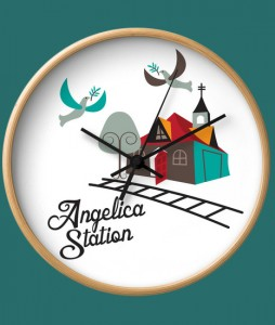wallclock-angelica-station-wood